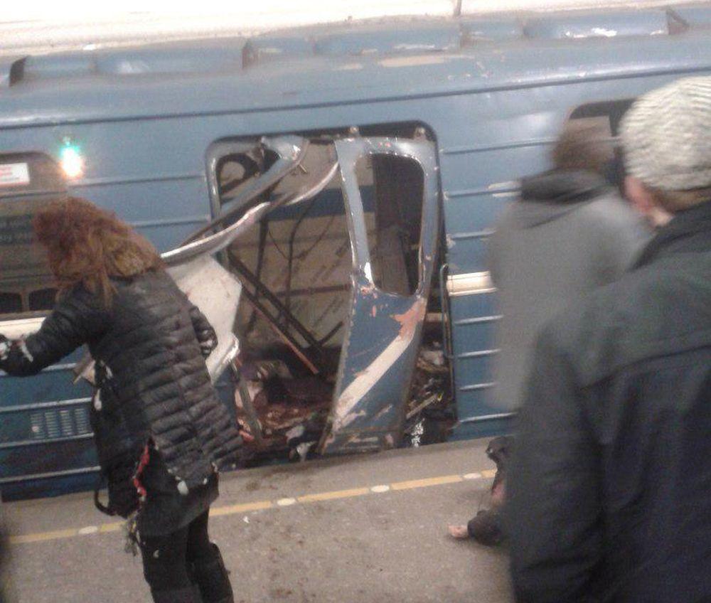 VIDEO – Explozie de PROPORTII in metroul din Sankt Petersburg! Numarul victimelor este necunoscut!