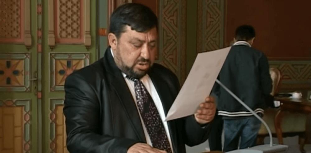 VIDEO VIRAL – Cum depunde juramantul un lider PSD aproape analfabet! E de ras, dar el ia decizii pentru comunitate!