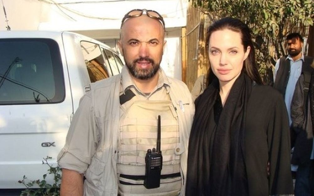 Romanul care a protejat-o pe Angelina Jolie a murit azi-noapte zdrobit de tren, la Constanta!