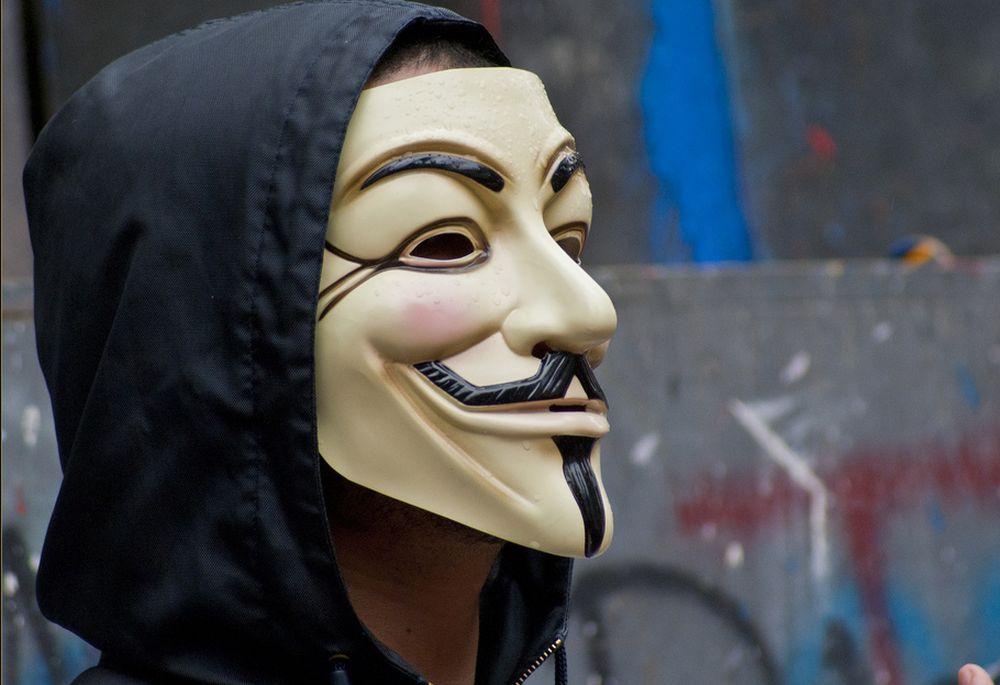 Hackerii Anonymous avertizeaza populatia: Al treilea Razboi Mondial va incepe anul acesta sau in 2018!