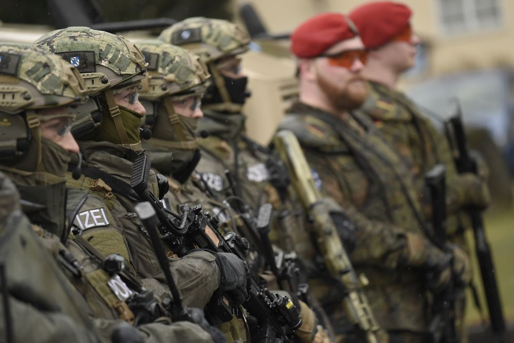 Germania pune bazele primei armate comune a Uniunii Europene cu Romania si Cehia!