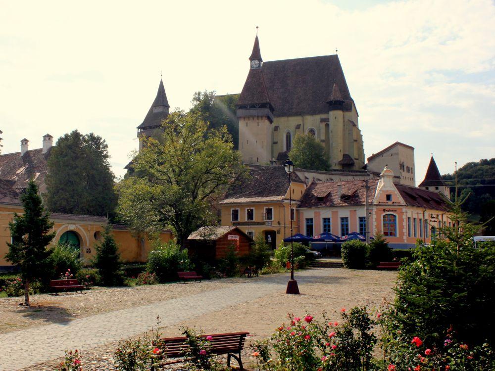 Singura localitate din Romania unde nimeni n-a divortat de sute de ani! Batranii au un secret care a functionat pentru toate cuplurile cu probleme!