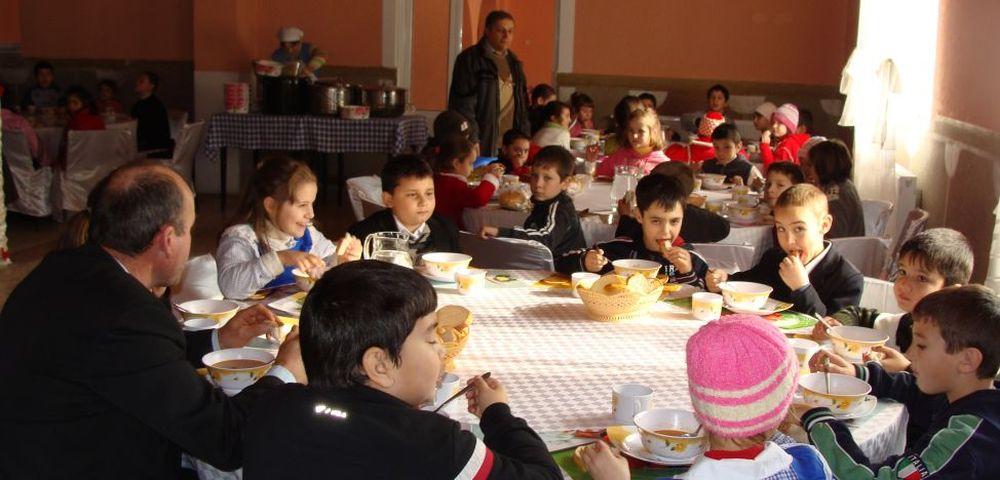 Dupa ce si-au marit salariile, alesii din Camera Deputatilor – condusa de Dragnea, refuza sa acorde o masa calda copiilor!