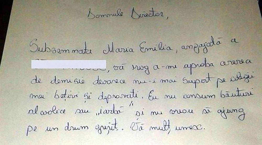 FOTO – VIRALUL ZILEI: Nu-i mai suport pe colegii bețivi si depravati! O româncă face furori pe internet după ce si-a dat demisia!