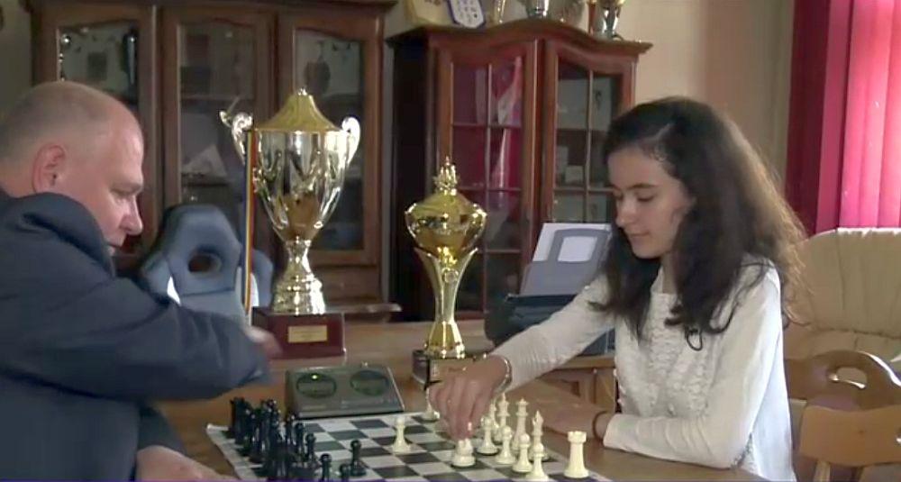 O eleva de doar 13 ani, din Iasi, este noua CAMPIOANA MONDIALA la sah!