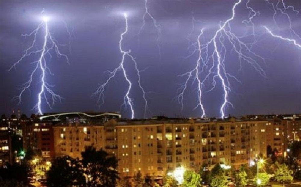 Avertisment extrem de grav de la ANM de ploi torenţiale, vijelii şi grindină. Când începe URGIA?
