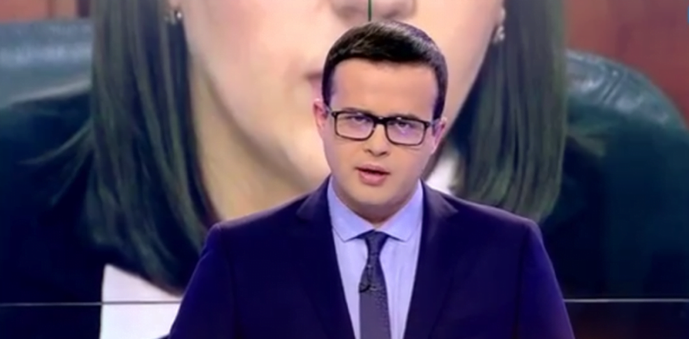 Dezvaluire TVR: De ce au turbat prezentatorii la Antena 3? Varanul Voiculescu a fost scos sa mature curtea PUSCARIEI!