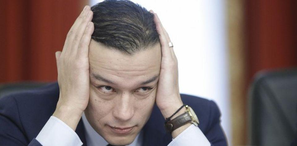 Consilierul premierului Grindeanu si-a cumparat vila de lux in sudul Italiei din salariul de bugetar!