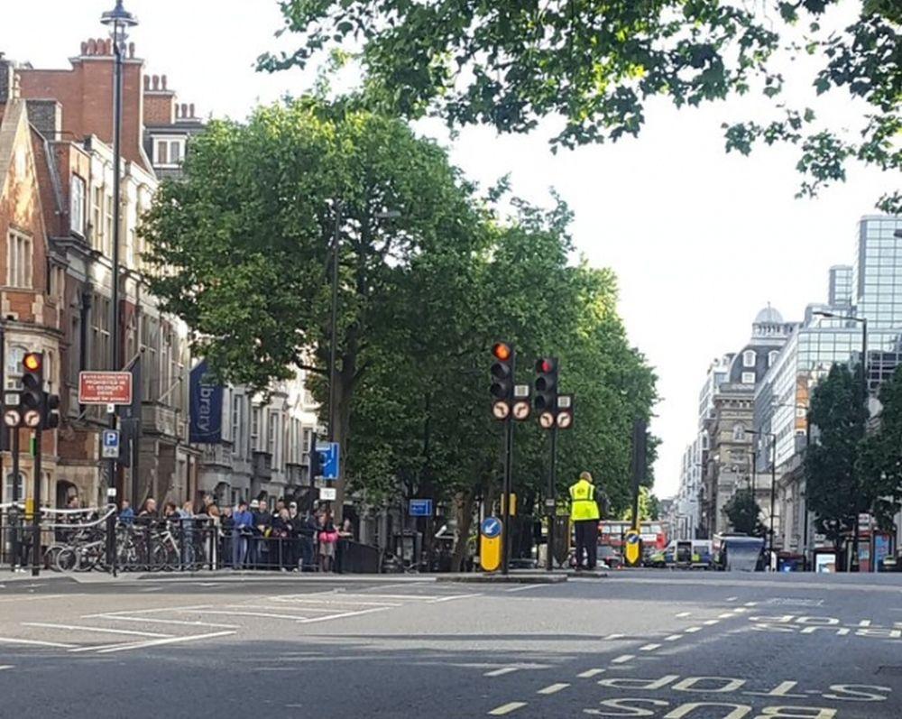 O noua alerta TERORISTA in Anglia! Riscul unei explozii este iminent!