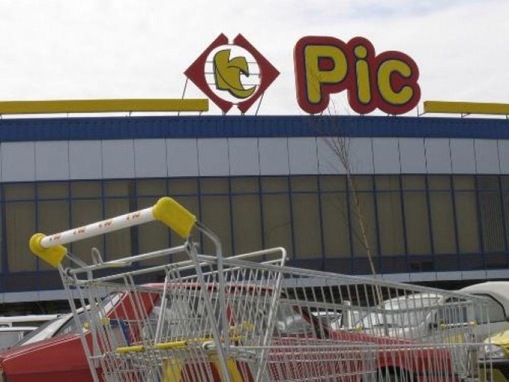 La cine au ajuns magazinele PIC ale milionarului Penescu din Pitesti!?