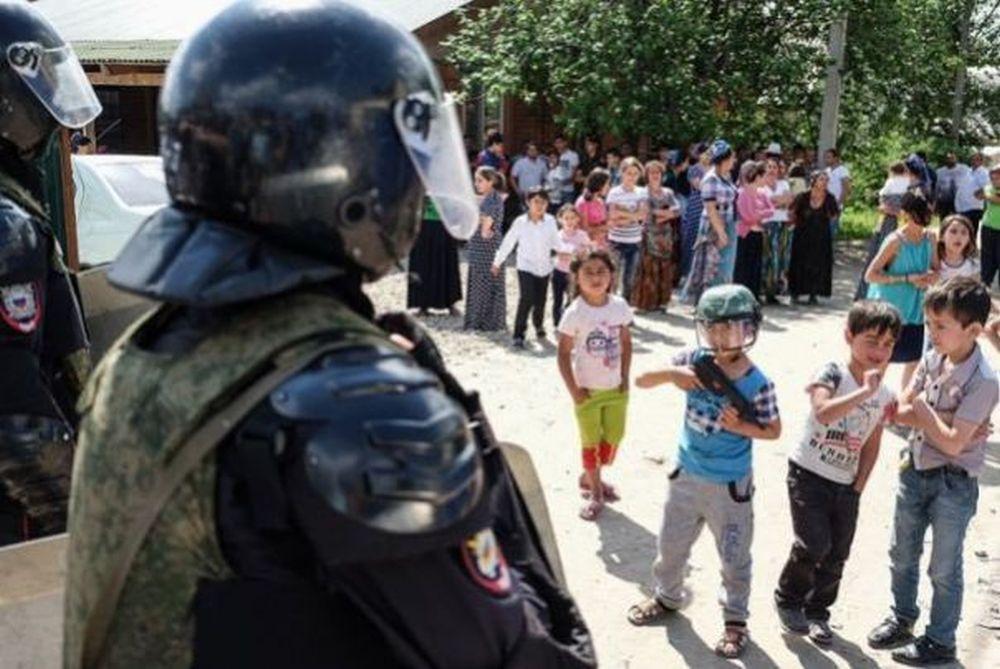 FOTO – Putin nu sta la DISCUTII cu ei! Cum sunt tratati romii in Rusia: Cartiere intregi EXTERMINATE!