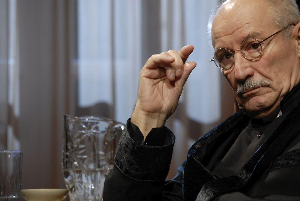 Maestrul Victor Rebengiuc: Conducerea tarii e formata din niste semidocti! Cel mai mult ma enerveaza comunismul si PSD!