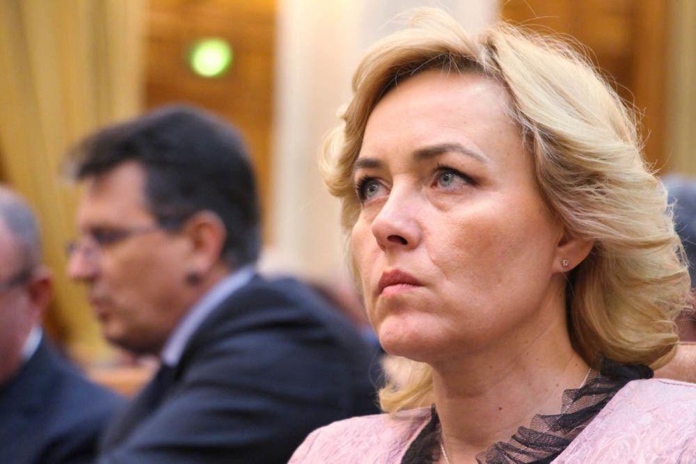 Revolta in Politia Romana! Politistii o acuza pe Carmen Dan de practici comuniste: Nu avem voie sa deschidem gura!
