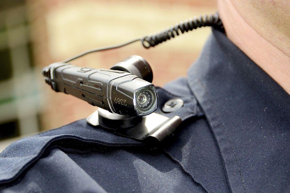 Schimbare in Politia Rutiera! Toti agentii vor avea camere cu care vor filma totul cand opresc un sofer!