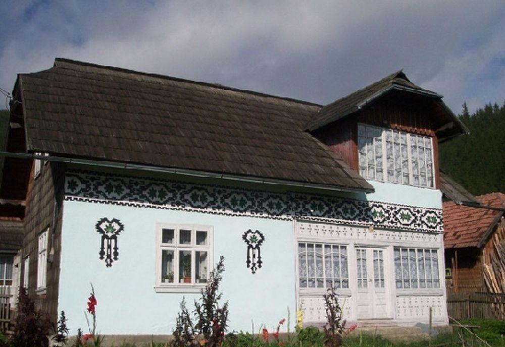 Lonely Planet a inclus un sat din Romania in topul celor mai colorate destinatii de vacanta din Europa!